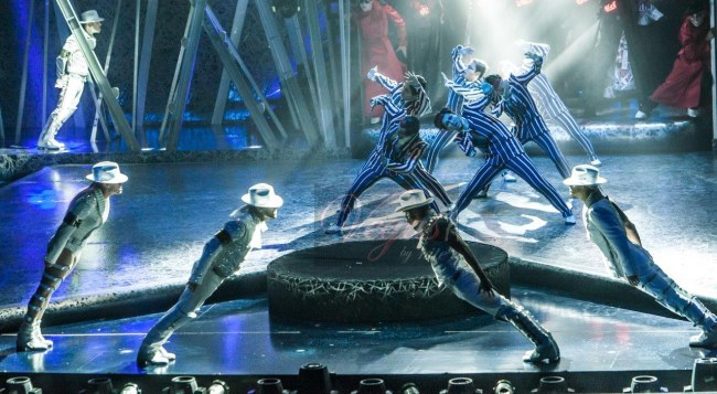 MJ ONE SHOW IN ACTION